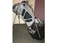 Selling a Nike carry stand bag great nick 1 year old,has 11 storage pocketsselling for £50 ono