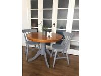 ROUND SHABBY CHIC TABLE AND CHAIRS FREE DELIVERY 🇬🇧