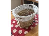 WICKER BASET - PERFECT FOR STORAGE BATHROOM ITEMS, HAIRDRYER, MAKE-UP KIDS TOYS ETC.