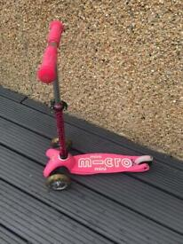 MINI MICRO DELUXE LED SCOOTER: PINK