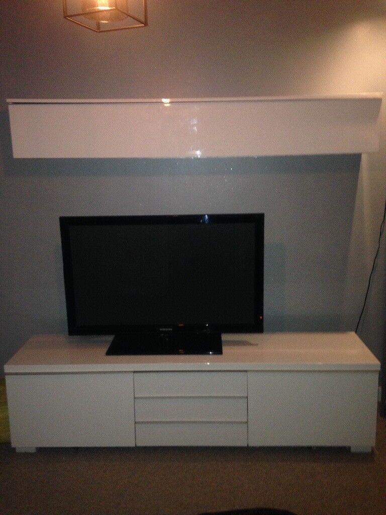 Tv Unit Ikea Besta Burs White Gloss And Matching Wall 180cm X 41cm 49cm In Paisley Renfrewshire Gumtree