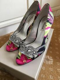 Dune shoe
