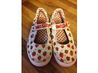 Lelli Kelly Lelly Kelly girls shoes trainers size 32