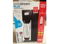 SodaStream Play Sparkling Water Drinks maker MEGA PACK!