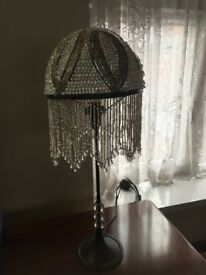 VINTAGE ANTIQUE STYLE TABLE LAMP - EXCELLENT CONDITION