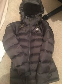 Perfect condition hardly worn moutian eiupment coat