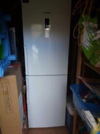 Bosch KGN34XW32G fridge freezer white