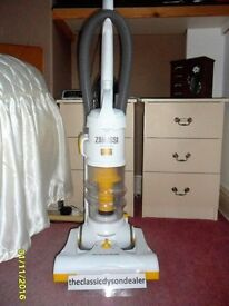 EX display Zanussi AirSpeed light weight Multi Cylconic Bagless Vacuum Cleaner