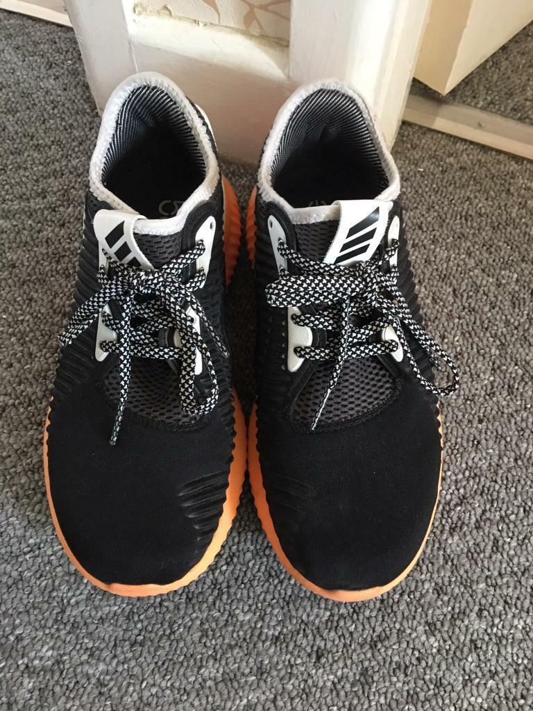 5596d6278 Adidas AlphaBounce running shoes uk4