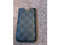 I phone 6 Louis Vuitton phone cover in black check leather