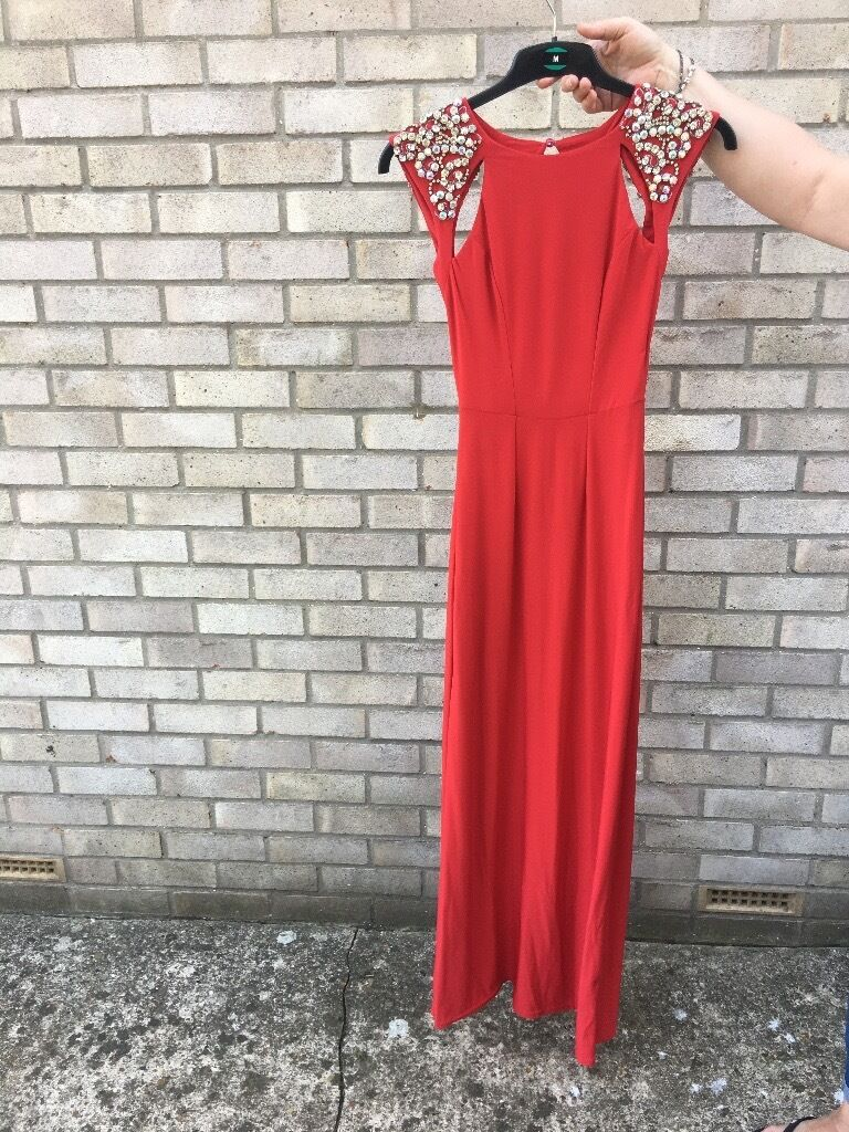 Stunning prom/evening gown, bright red, size 6/8, lipsy VIP, gorgeousin Attleborough, NorfolkGumtree - This dress will make you feel a million dollars. Size 6 but I was an 8 when I wore to an event as the material is stretchy. So flattering with cutouts on the sizes. Worn once. Brilliant condition