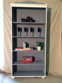 Bookcase/shelving