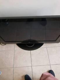 """LG 32"""" full HD LCD tv"""