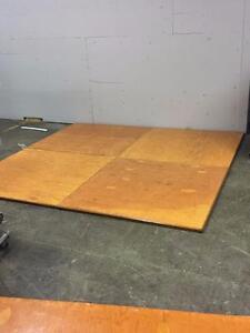 Morceaux pour plancher de danse de 4pi x4pi liquidation