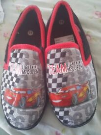 BRAND NEW BOYS LIGHTNING MCQUEEN FROM CARS SLIPPERS SIZE 11