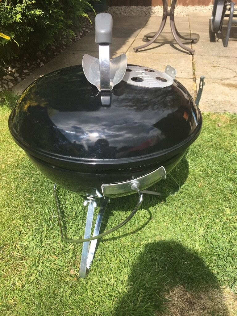 weber smokey joe original barbecue with carry bag in christchurch dorset gumtree. Black Bedroom Furniture Sets. Home Design Ideas