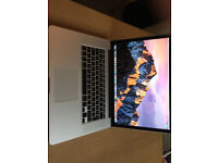 Immaculate MacBook Pro 2.3Ghz Intel Core i7 15-inch Retina almost as new!