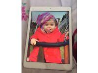 iPad Air 1 16 GB LOCKED TO VODAFONE.