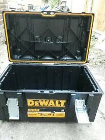 Dewalt boxes