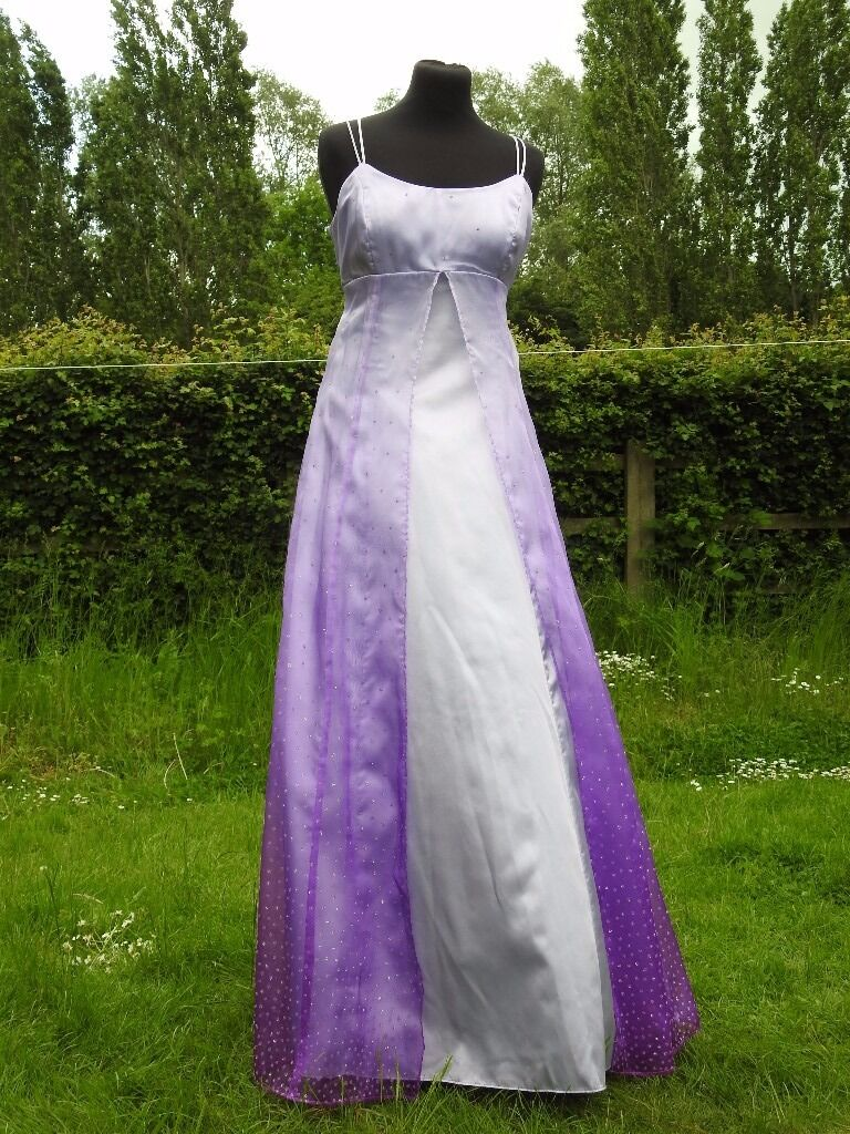 """UK Size 14 Handmade Designer Kiki Purple Lilac Party Evening Occasion Dressin Emerson Valley, BuckinghamshireGumtree - Gorgeous One of a kind handmade garment Beautiful Party / Prom / Occasion Dress Up to 40"""" Bust (Completely Adjustable) 32"""" Waist New With Tags Size 14 a Stunning Dress With Beautiful Shades of Purple and delicate flower beaded details All..."""