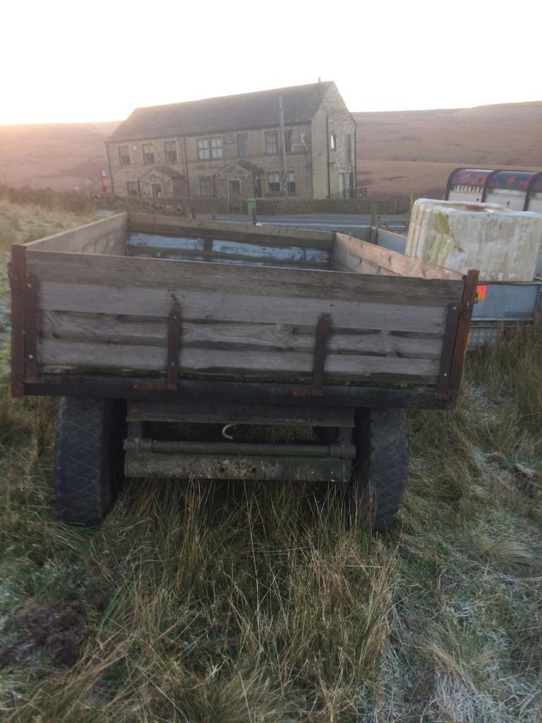Tractor tipping trailer , 2 to 3 tonne