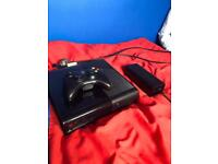 xbox 360 good condition + every cable and. controller