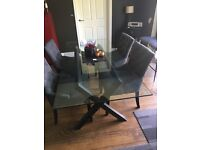 Dining Table in superb condition