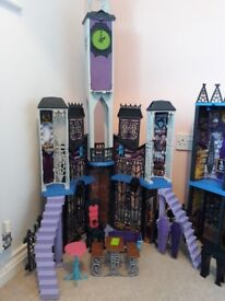 Monster High Deadluxe High School Dolls House