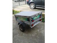 Camel car trailer