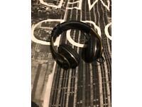 Headphones black&gold npng