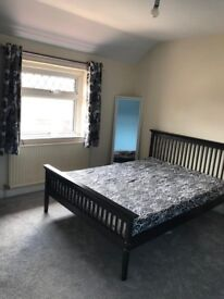 Big double room in Boscombe for rent couples accepted all bills included! First Week Rent Free!