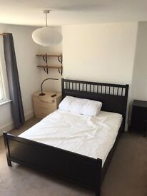 Large Double Room In Ealing Available NOW