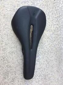 Specialized phenom saddle size 143