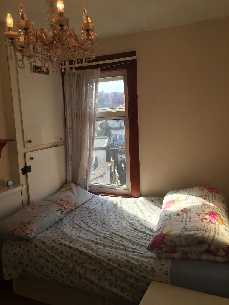 Beautiful Room Ready to move