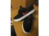 NIKE SB BLACK SUEDE UK SIZE 4 - WORN ONCE