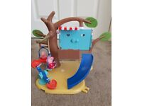 Peppa Pig Tree house Playset - EXCELLENT CONDITION
