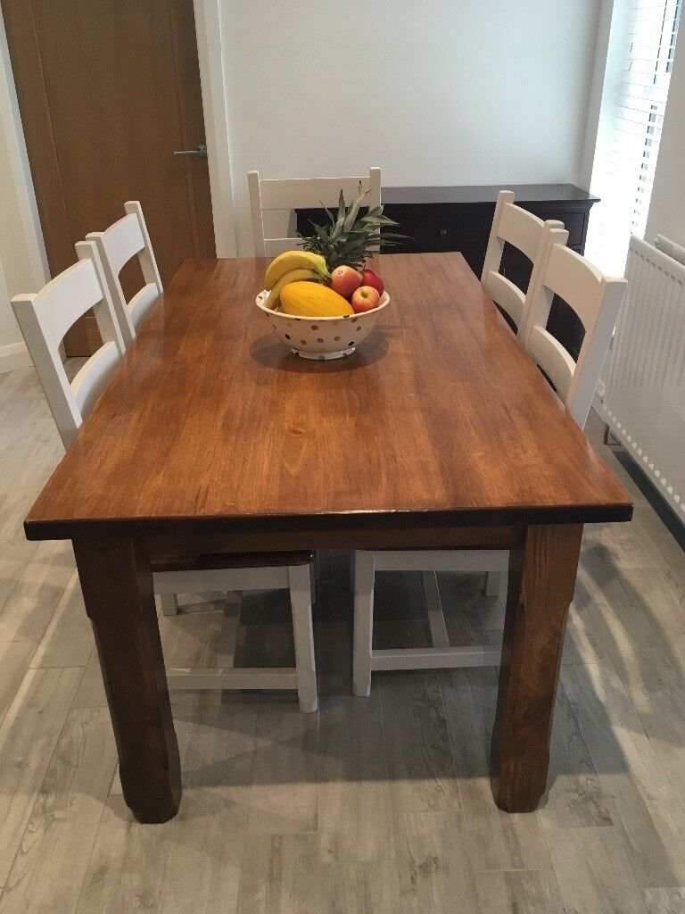 Solid wood 6 seater table - great condition
