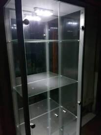 Sliver cabinet