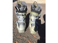 Women's HEAD ECT 7 Ski Boots UK Size 4 (37) (pre-owned) comes with brand new boot bag.