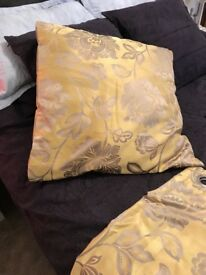 2 PAIRS MATCHING CURTAINS & 4 CUSHIONS