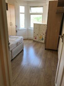 A spacious double room to rent in Upton Park including
