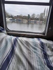 Houseboat to let st kew Bridge