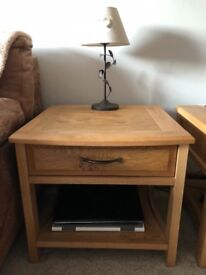Bentley Designs Quality Solid Oak Coffee / Lamp Table