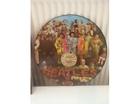 Sgnt peppers lonely hearts club band picture disc on vinyl