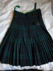 Vintage Military Black Watch kilt 28-30 inch waist 25 inch drop, quality heavy kilt (small hole)