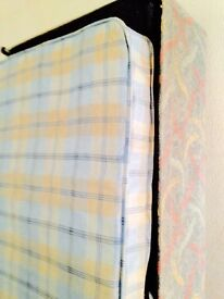 Very clean single divan bed great condition can also deliver to your address