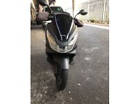 Honda pcx 125 reg2015 for £1250