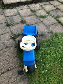 Kids tractor with trailer