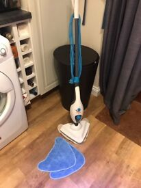 Great Condition Vax Steam Mop & New Pads