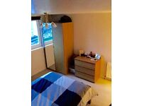 DOUBLE ROOM, SINGLE OCCUPANT FOR FLAT SHARE